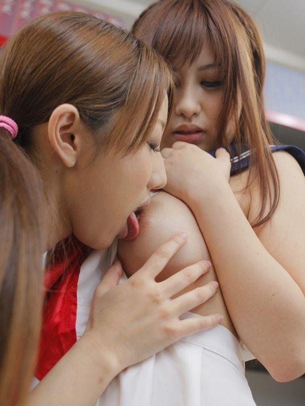 【レズビアンエロ画像】ある種の美しさすらも感じるレズビアンたちの絡みが激エロ 05