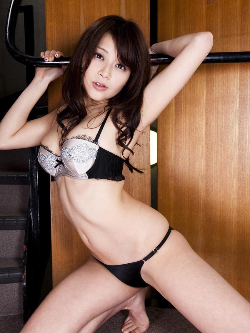 【美熟女エロ画像】金払ってでも抱きたい!妖艶な魅力の美熟女! 20