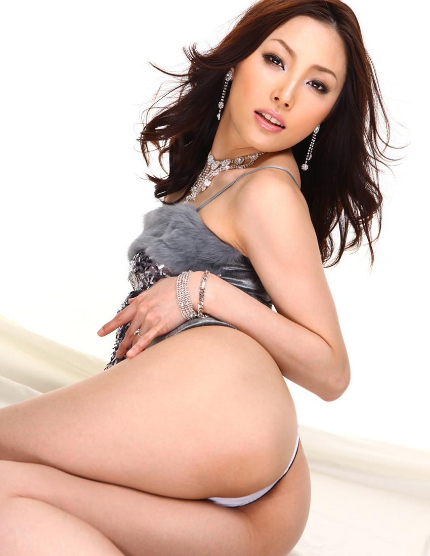 【美熟女エロ画像】金払ってでも抱きたい!妖艶な魅力の美熟女! 23