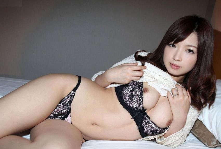 【美熟女エロ画像】金払ってでも抱きたい!妖艶な魅力の美熟女! 24