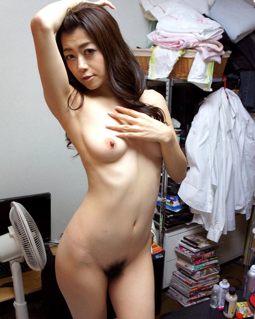 【美熟女エロ画像】金払ってでも抱きたい!妖艶な魅力の美熟女! 28