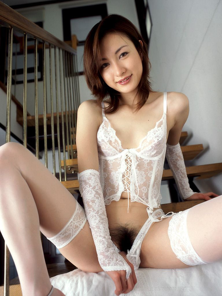 【美熟女エロ画像】金払ってでも抱きたい!妖艶な魅力の美熟女! 31