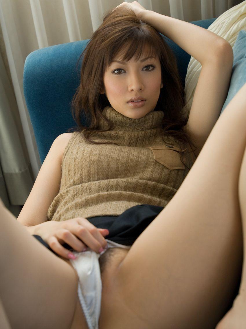 【美熟女エロ画像】金払ってでも抱きたい!妖艶な魅力の美熟女! 32