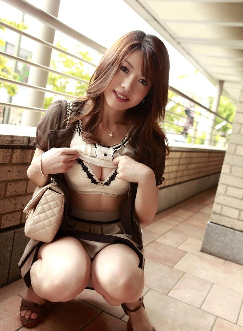 【美熟女エロ画像】金払ってでも抱きたい!妖艶な魅力の美熟女! 33