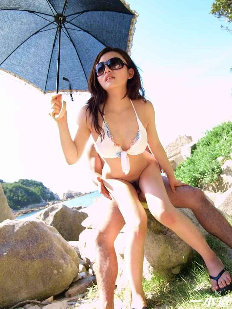 【青姦エロ画像】すっかり暖かくなった今の時期にピッタリの開放的な青姦画像 15