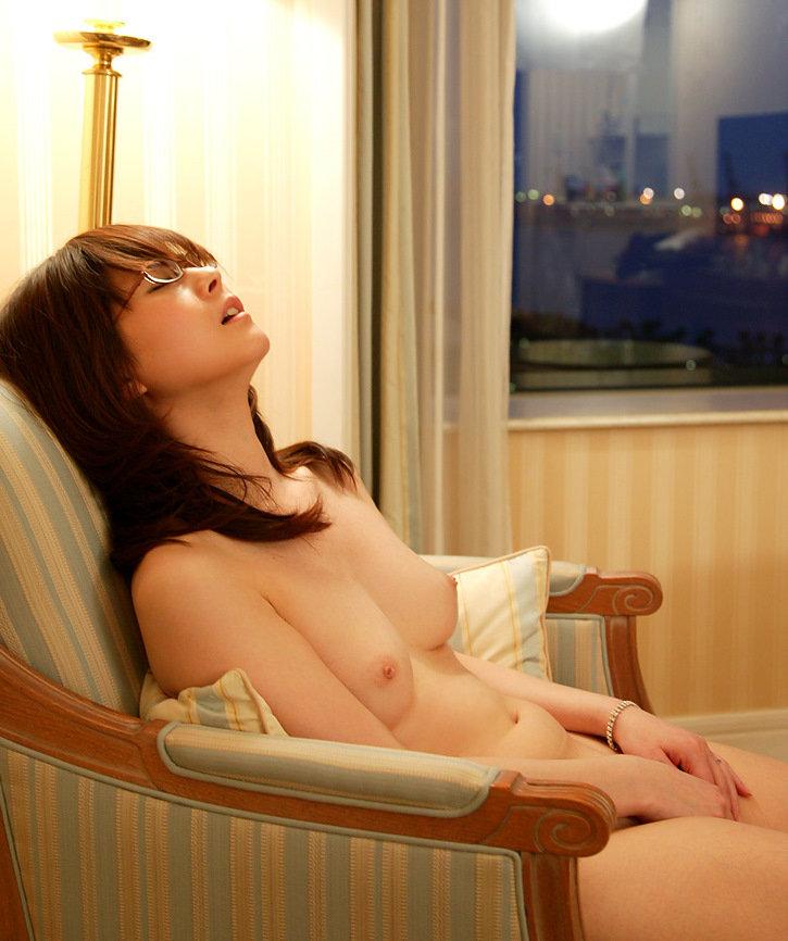 【オナニーエロ画像】女性のオナニーにはホルモンが分泌されて美肌効果があるらしい! 25