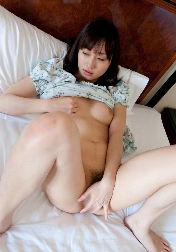【オナニーエロ画像】女性のオナニーにはホルモンが分泌されて美肌効果があるらしい! 28