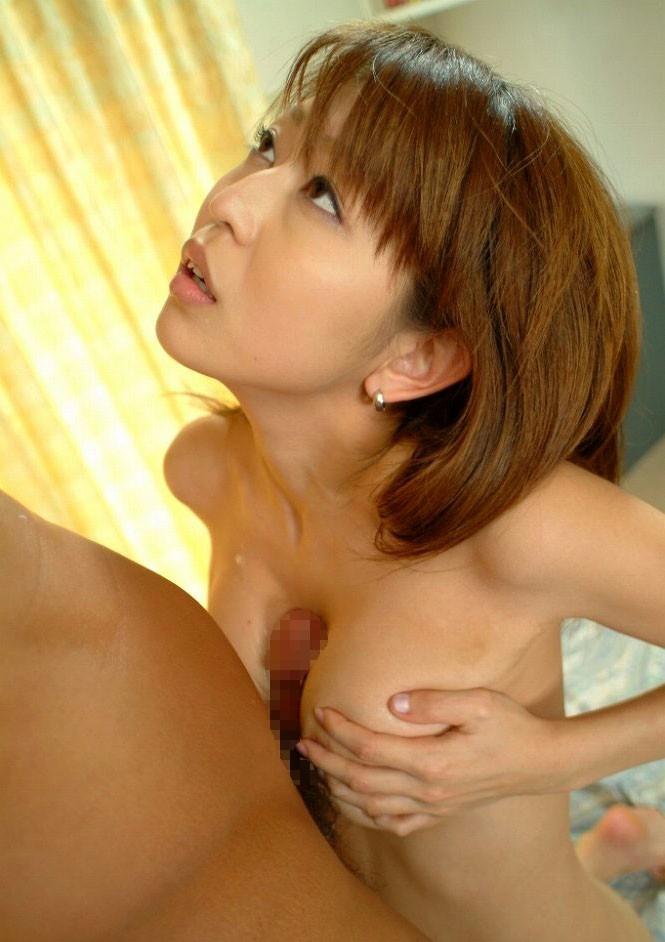 【パイズリエロ画像】巨乳が好き!ってヤツこんなパイズリされたいと思わないか!? 16