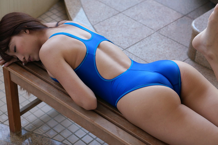 【競泳水着エロ画像】これが競泳水着か!?なんだ全裸よりエロいじゃないか!?w 11