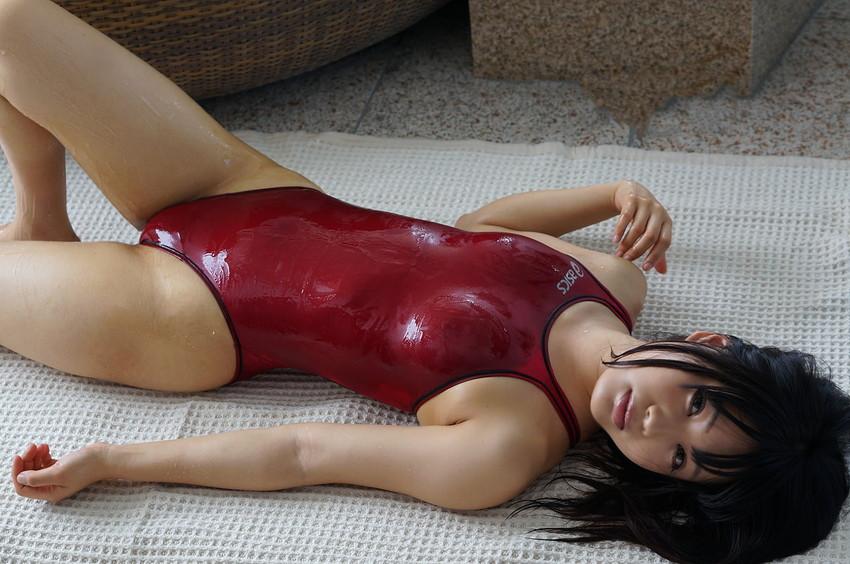 【競泳水着エロ画像】これが競泳水着か!?なんだ全裸よりエロいじゃないか!?w 32
