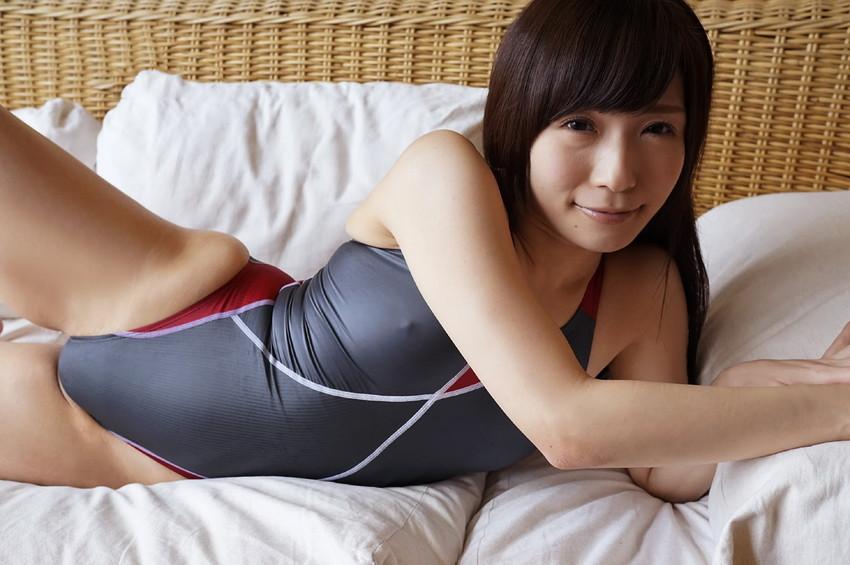 【競泳水着エロ画像】これが競泳水着か!?なんだ全裸よりエロいじゃないか!?w 41