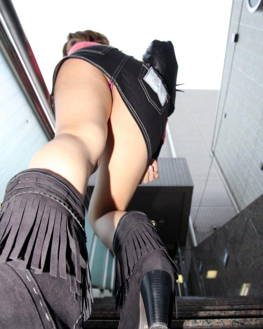 【階段パンチラエロ画像】ミニスカで階段を上る女の子は警戒心が無いのか!?w 39