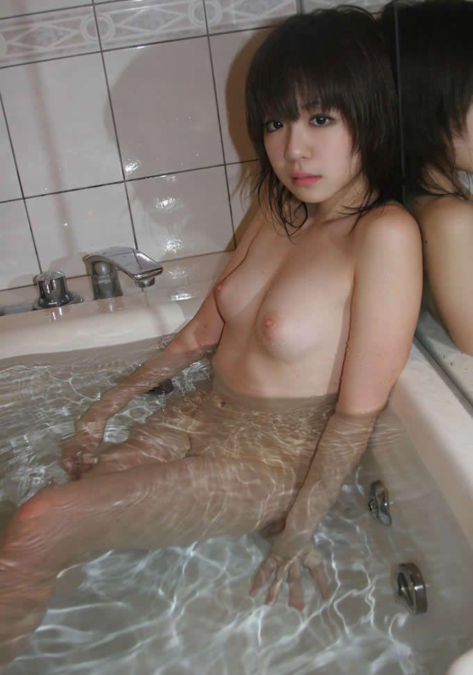 【入浴エロ画像】女の子が全裸で入浴している姿がグゥ!ヌケる!ww 02
