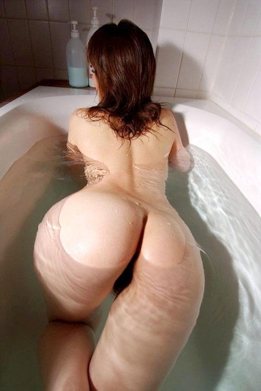 【入浴エロ画像】女の子が全裸で入浴している姿がグゥ!ヌケる!ww 25