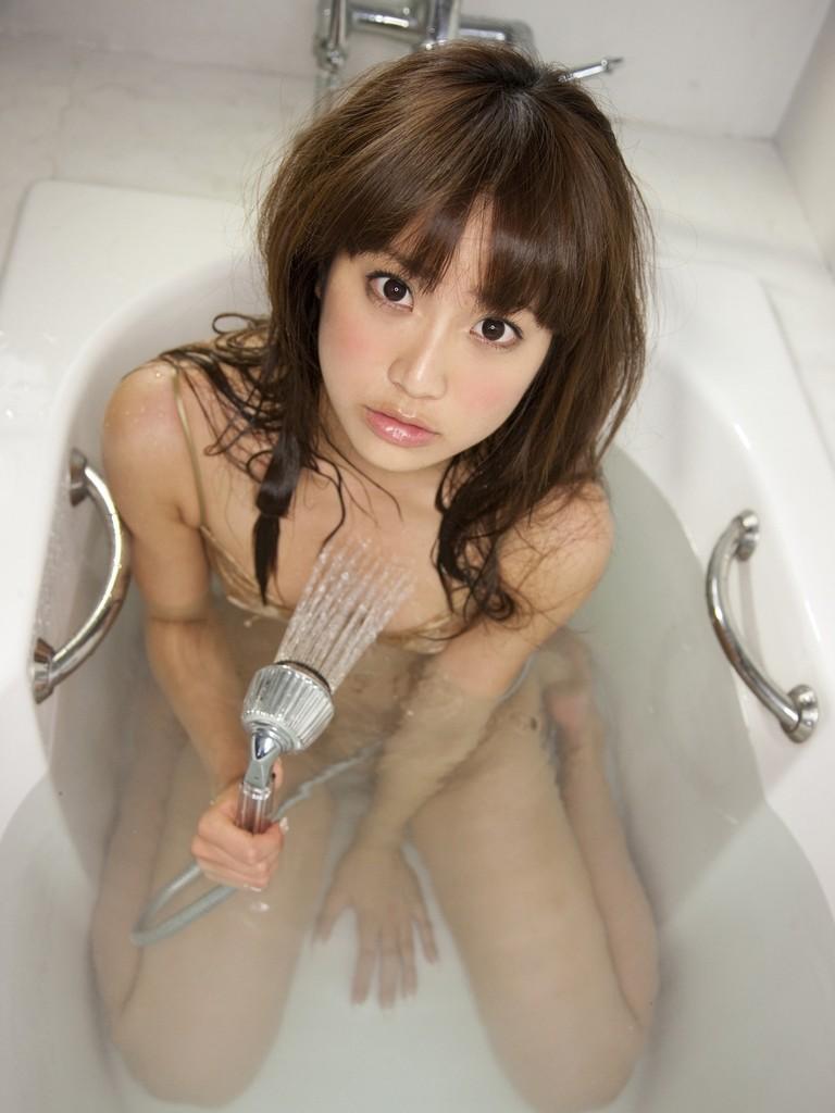 【入浴エロ画像】女の子が全裸で入浴している姿がグゥ!ヌケる!ww 31