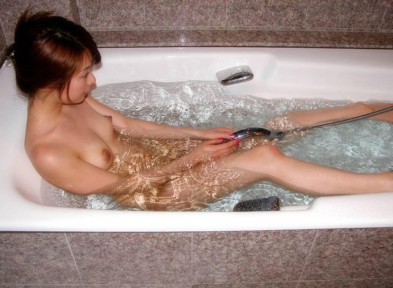 【入浴エロ画像】女の子が全裸で入浴している姿がグゥ!ヌケる!ww 38