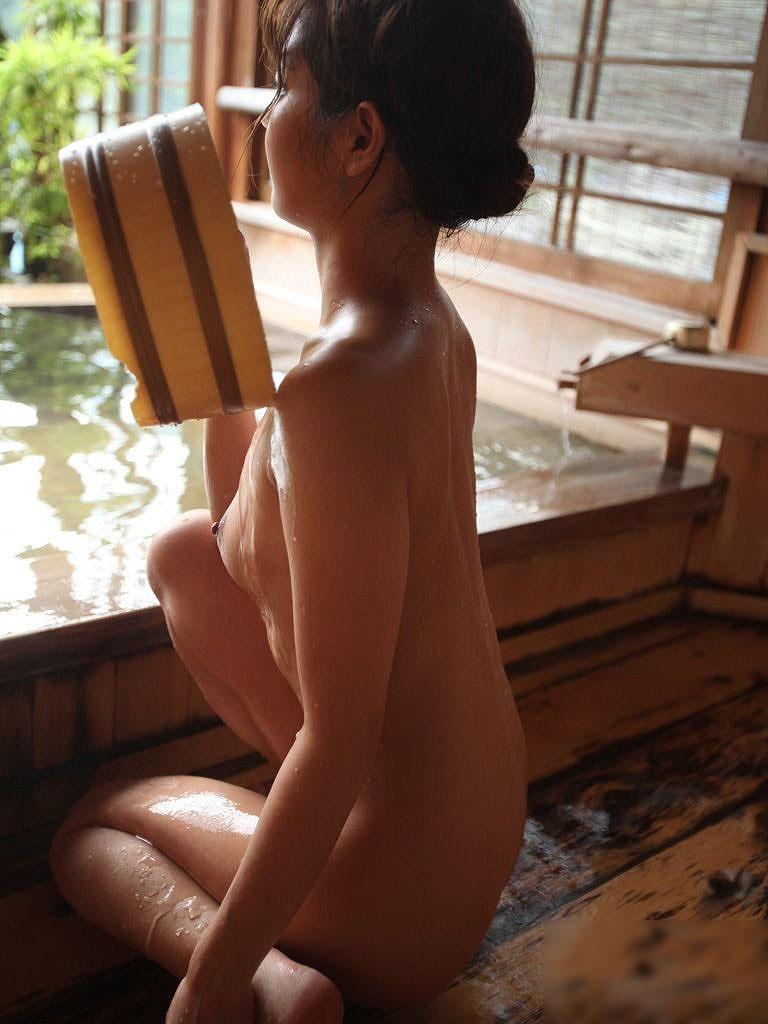 【入浴エロ画像】女の子が全裸で入浴している姿がグゥ!ヌケる!ww 46