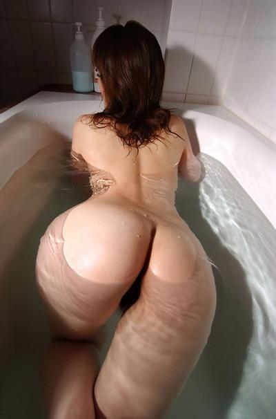 【入浴エロ画像】女の子が全裸で入浴している姿がグゥ!ヌケる!ww 37