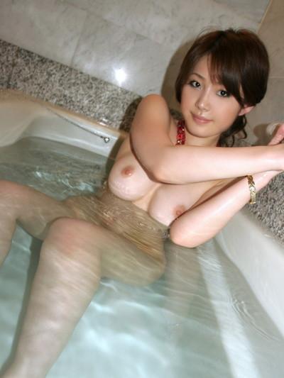 【入浴エロ画像】女の子が全裸で入浴している姿がグゥ!ヌケる!ww 47
