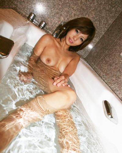 【入浴エロ画像】女の子が全裸で入浴している姿がグゥ!ヌケる!ww 65