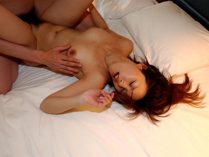 【正常位エロ画像】愛を感じたいならこの体位だろ!?正常位でセックスする男女 25