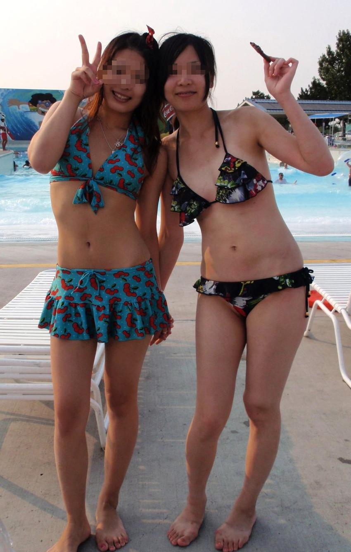 【素人水着エロ画像】素人娘たちのプライベート水着ショット満載! 05