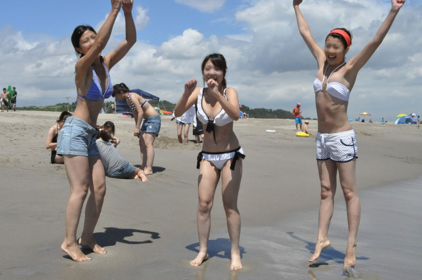 【素人水着エロ画像】素人娘たちのプライベート水着ショット満載! 14