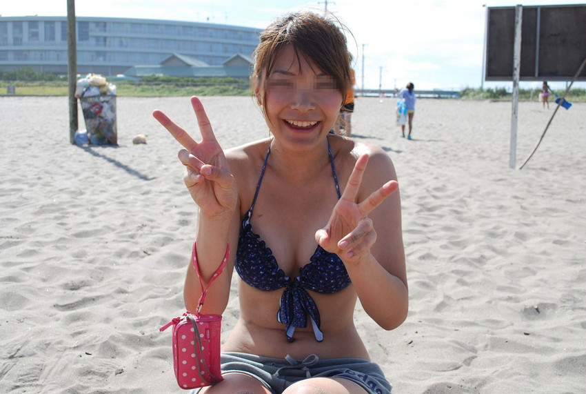 【素人水着エロ画像】素人娘たちのプライベート水着ショット満載! 21