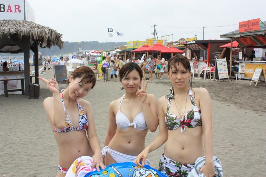 【素人水着エロ画像】素人娘たちのプライベート水着ショット満載! 31