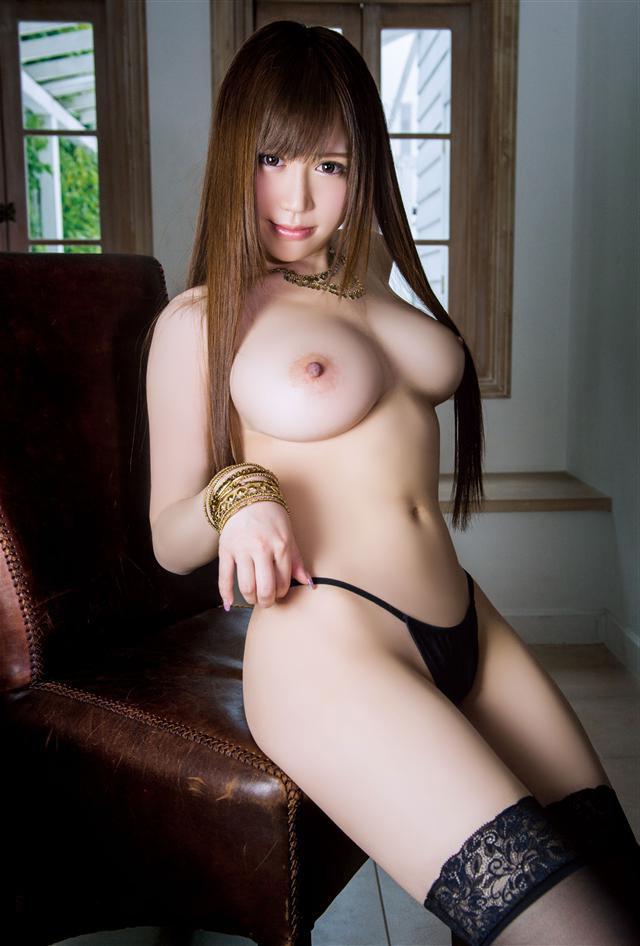 【美巨乳エロ画像】男ならやっぱり見ちゃうだろ!?美しすぎる美巨乳! 14