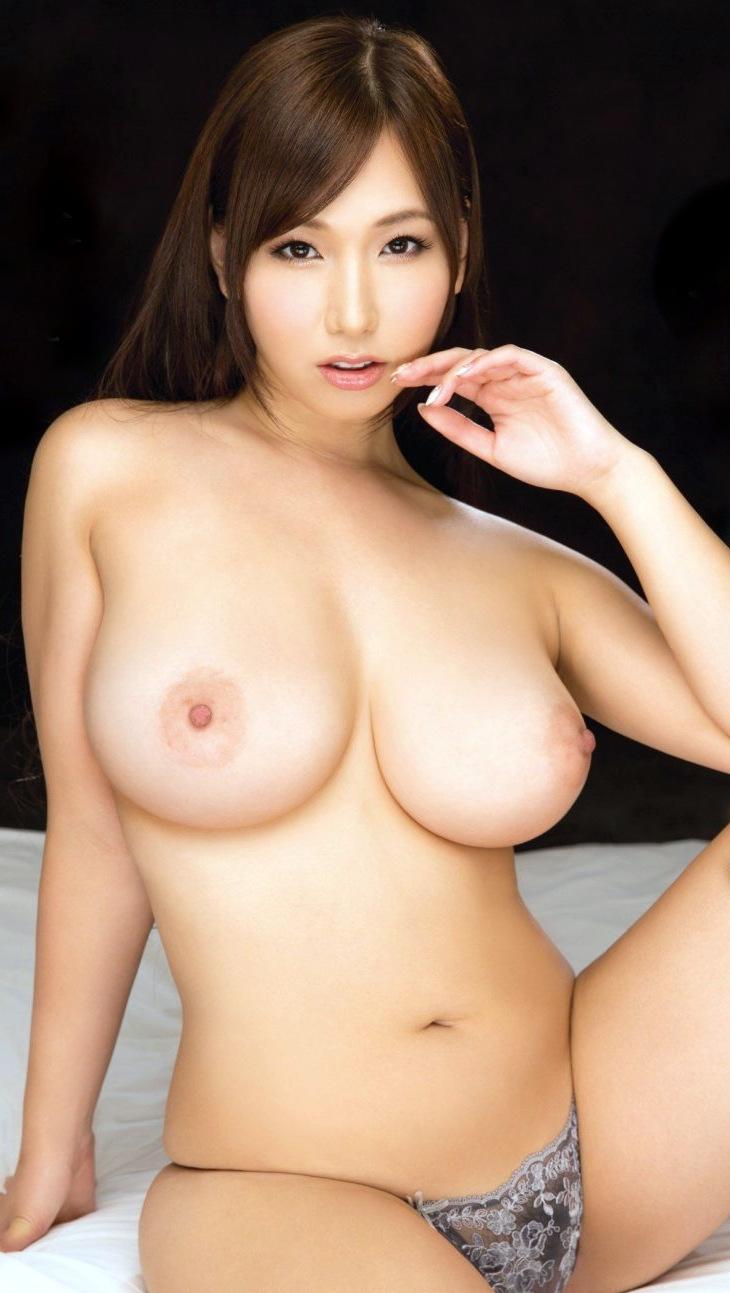【美巨乳エロ画像】男ならやっぱり見ちゃうだろ!?美しすぎる美巨乳! 31