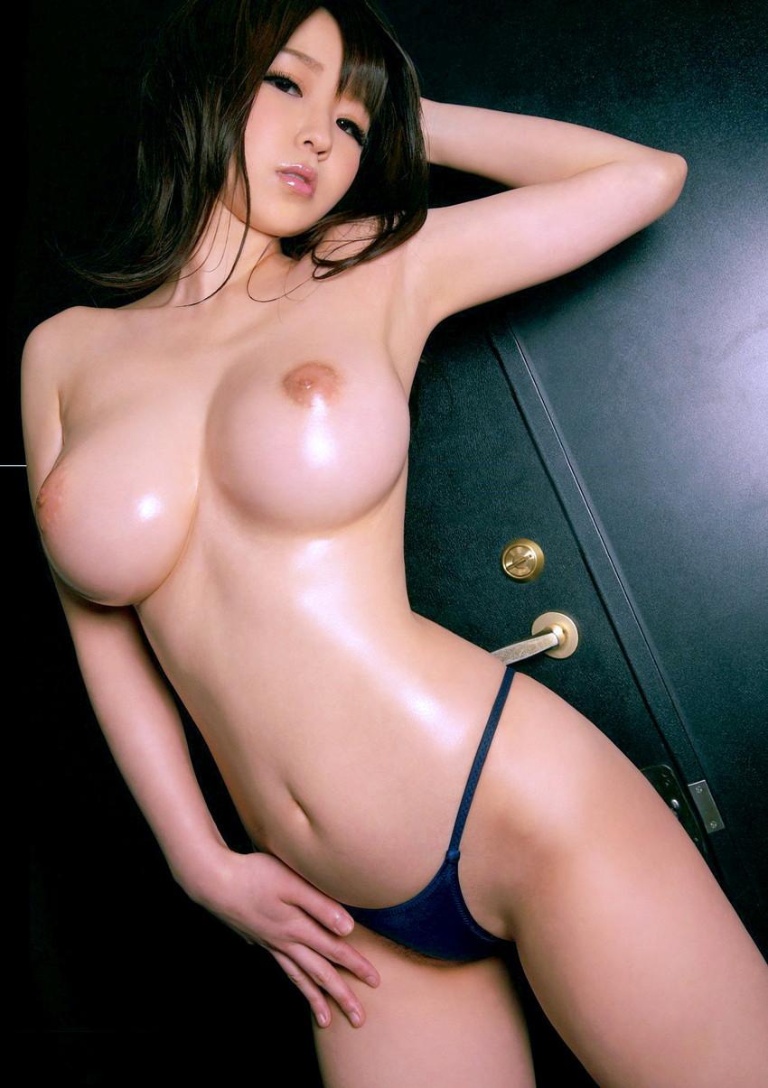 【美巨乳エロ画像】男ならやっぱり見ちゃうだろ!?美しすぎる美巨乳! 54