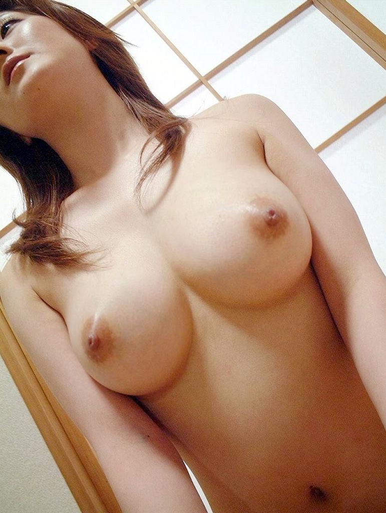 【美巨乳エロ画像】美しく、そして巨乳!これぞ神の与えた美巨乳!! 45