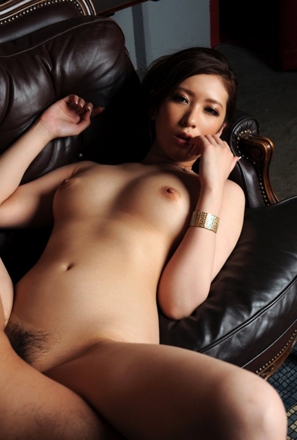 【正常位エロ画像】女性が一番、愛を感じるという体位がコチラwww 31