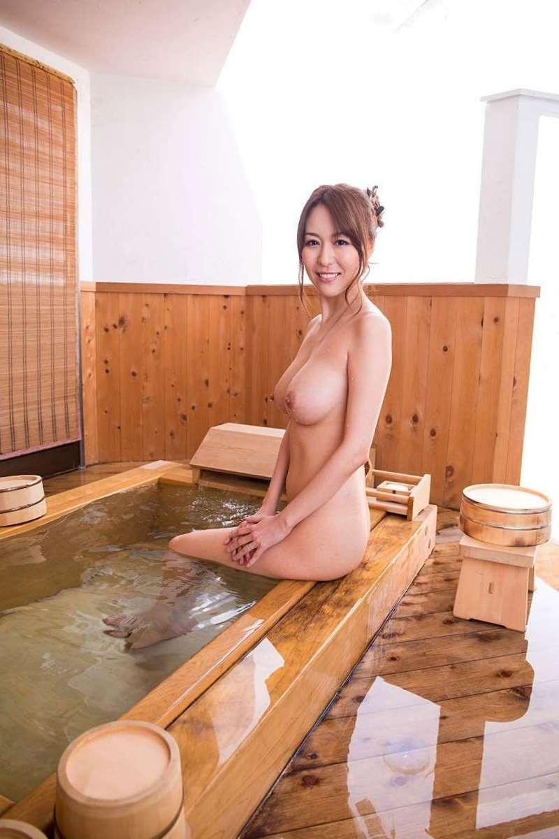 【美熟女AV女優エロ画像】熟女でありながらも美しい日本のAV女優がコチラw 11