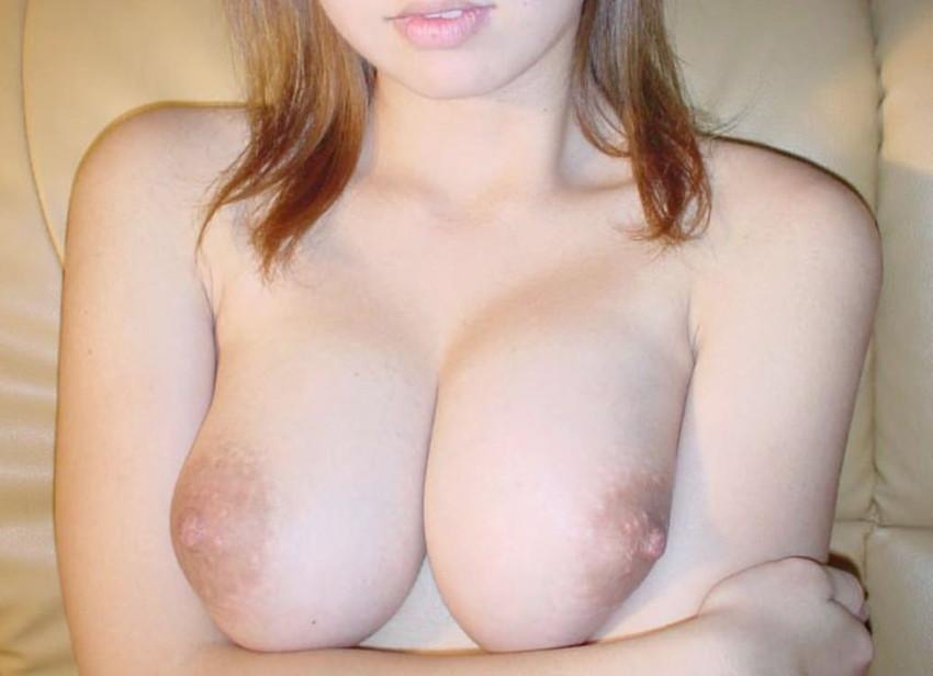 【素人おっぱいエロ画像】素人娘たちのリアルな美乳に拘って画像集めたったw 22