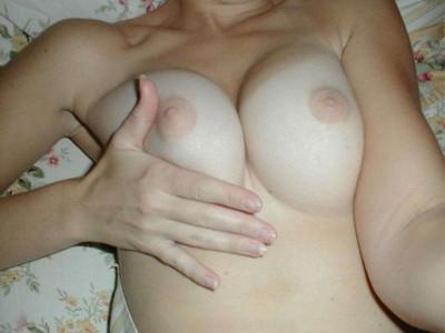 【素人おっぱいエロ画像】素人娘たちのリアルな美乳に拘って画像集めたったw 11