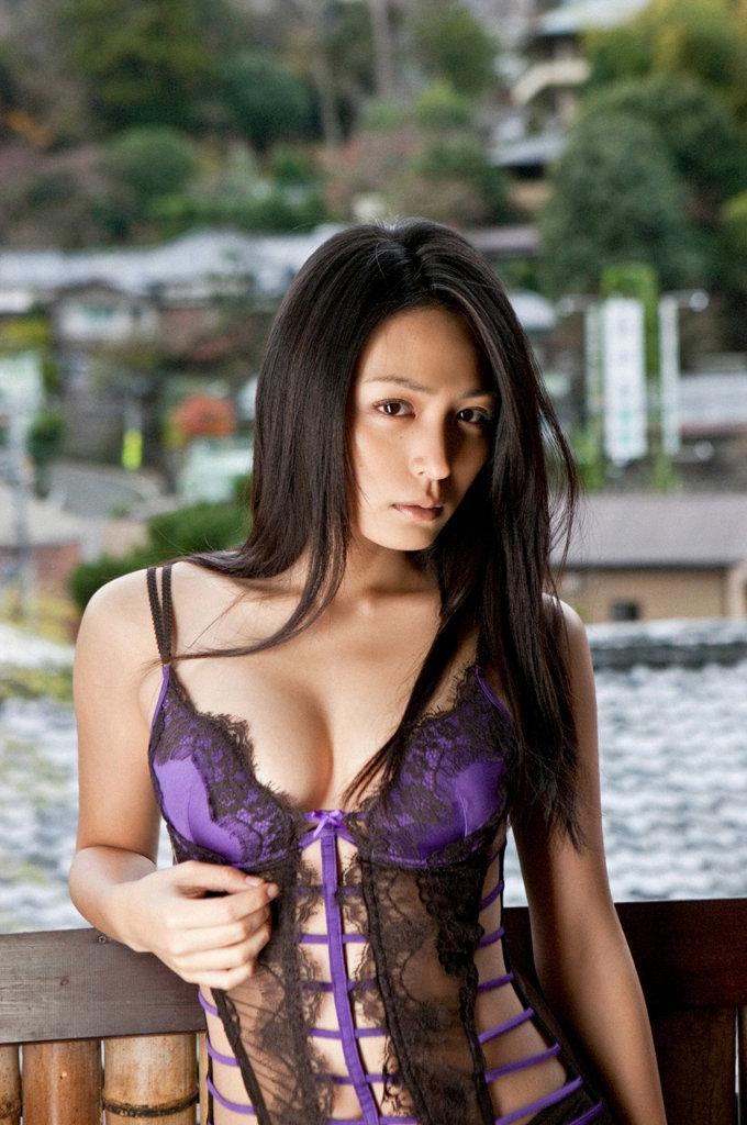 【長髪エロ画像】ロングヘア美女のエッチな姿が艶めかしいwwww(50枚) 04
