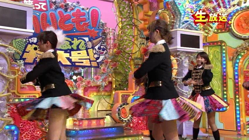 【女子アナエロ画像】番組中に起こった女子アナのパンチラ、胸チラ画像集!うきうきウォッチング感がハンパないです! 23