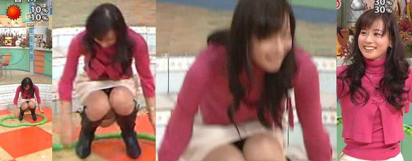 【女子アナエロ画像】番組中に起こった女子アナのパンチラ、胸チラ画像集!うきうきウォッチング感がハンパないです! 26