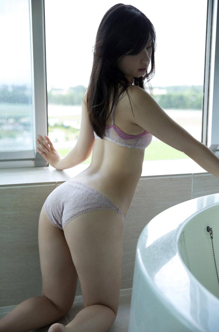 【美尻エロ画像】何時間見ていても見飽きることのない女の子たちの美尻! 02