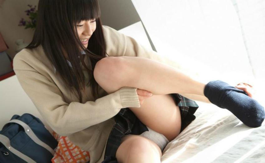 【コスプレエロ画像】JK制服コスプレしている女の子たちの破廉恥すぎるコスプレ画像 44