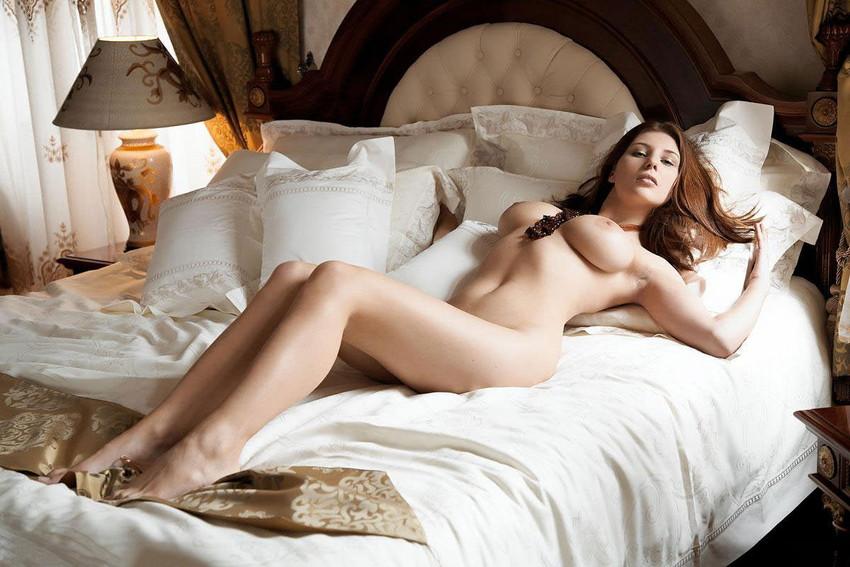 【白人ヌードエロ画像】真っ白な肌に思わず吸い寄せられそう!白人女性たちの裸体にフル勃起! 12