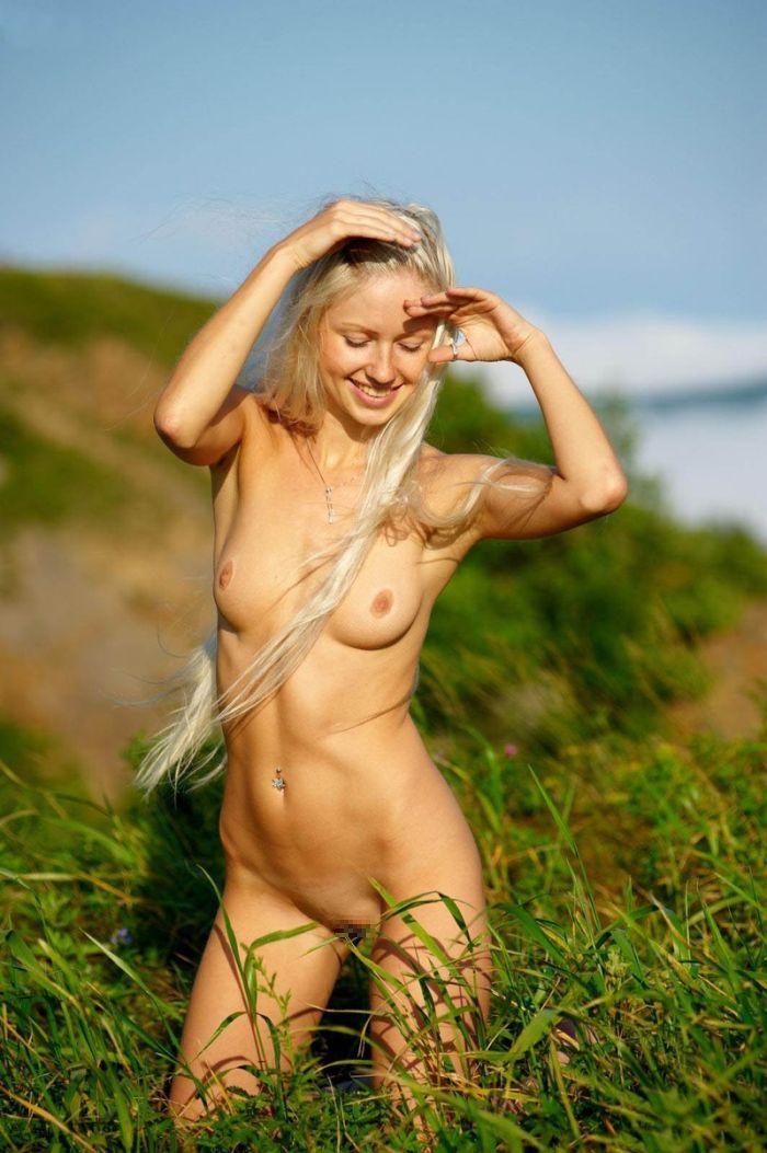 【白人ヌードエロ画像】真っ白な肌に思わず吸い寄せられそう!白人女性たちの裸体にフル勃起! 27