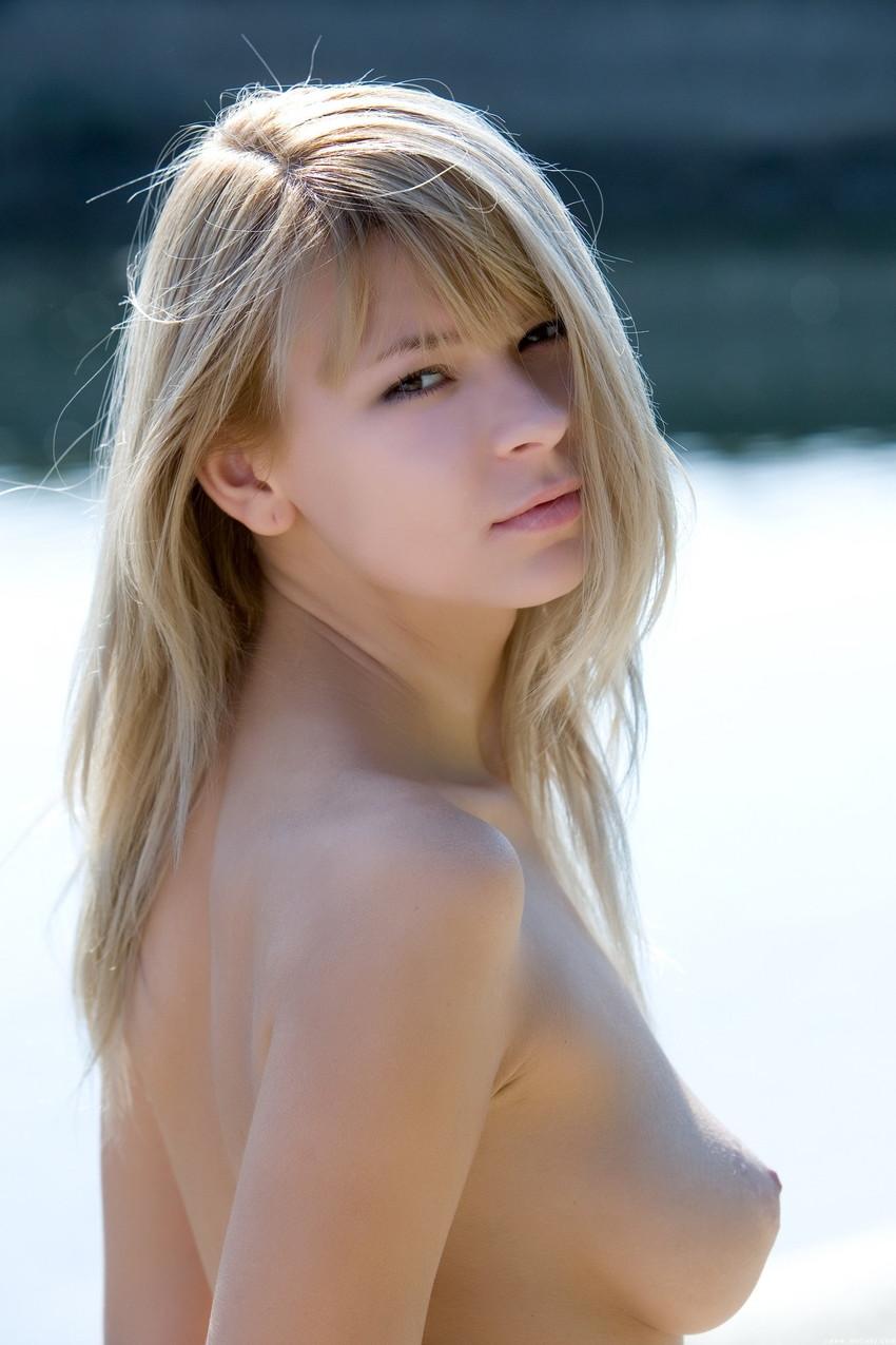 【白人ヌードエロ画像】真っ白な肌に思わず吸い寄せられそう!白人女性たちの裸体にフル勃起! 30