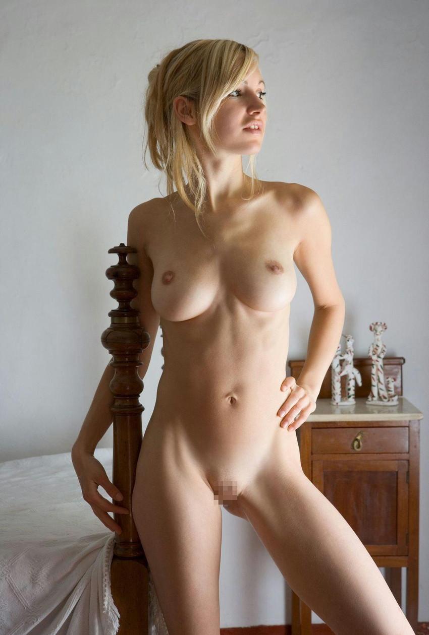 【白人ヌードエロ画像】真っ白な肌に思わず吸い寄せられそう!白人女性たちの裸体にフル勃起! 39