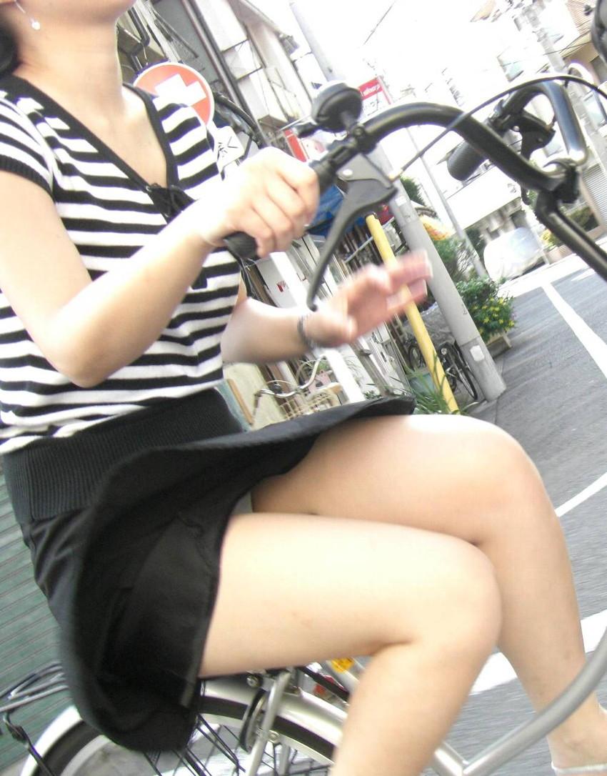 【街撮りパンチラエロ画像】街中で見かけた偶然のエロスに下半身沸騰間違いなし! 11