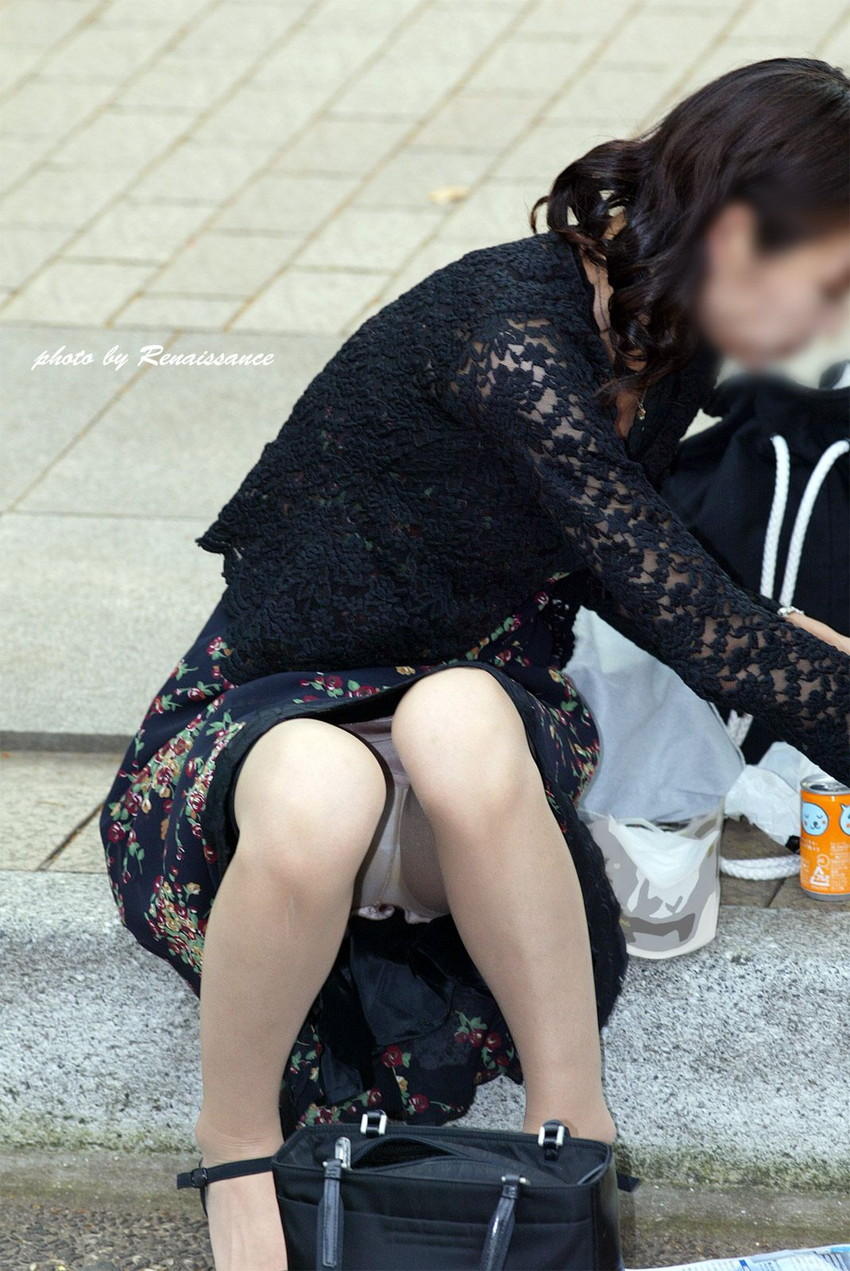 【街撮りパンチラエロ画像】街中で見かけた偶然のエロスに下半身沸騰間違いなし! 28