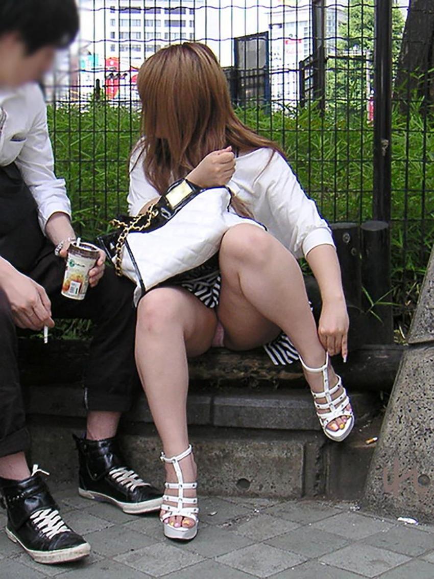 【街撮りパンチラエロ画像】街中で見かけた偶然のエロスに下半身沸騰間違いなし! 47