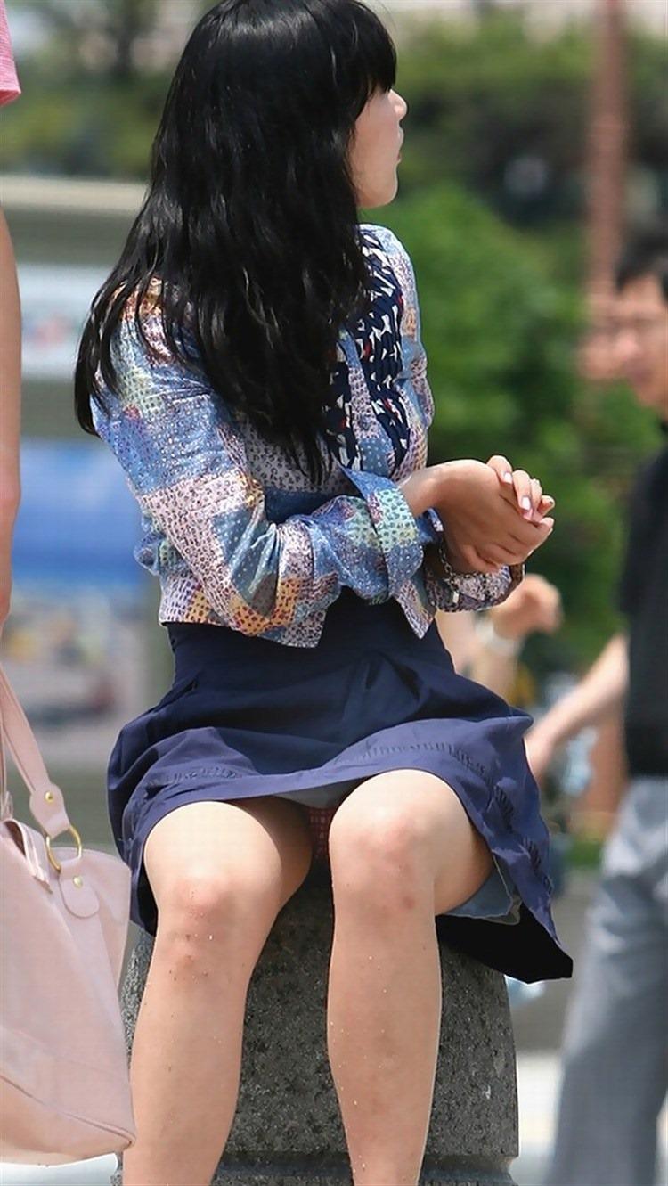 【街撮りパンチラエロ画像】街中で見かけた偶然のエロスに下半身沸騰間違いなし! 51